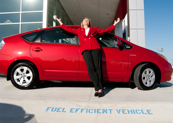 Fuel Efficient Vehicle, Living Green